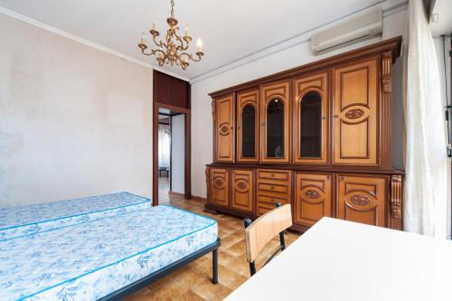 Wide single bedroom with a balcony, next to the Riserva Naturale del Laurentino Acqua Acetosa  - Gallery -  2