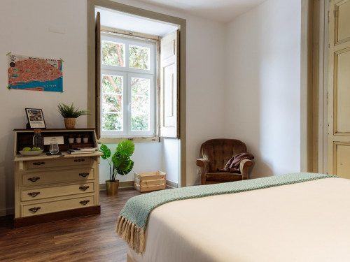 Superior bedroom close to intendente metro station  - Gallery -  2