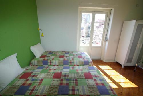 Twin bedroom (Green) near Areeiro metro station  - Gallery -  3
