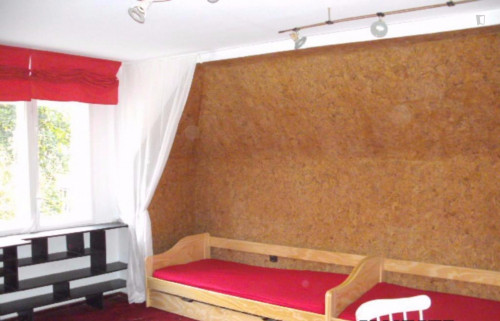 Warm and cosy twin bedroom near the Karlshorst train station  - Gallery -  3