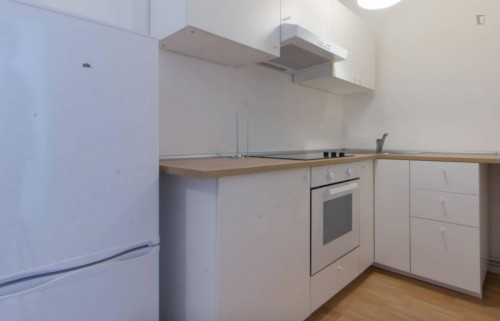 Well kept single room with enclosed balcony in Tempelhof-Schöneberg  - Gallery -  7