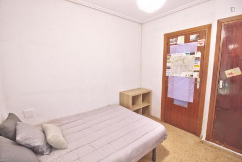 Welcoming single bedroom close to Aragón metro station  - Gallery -  4