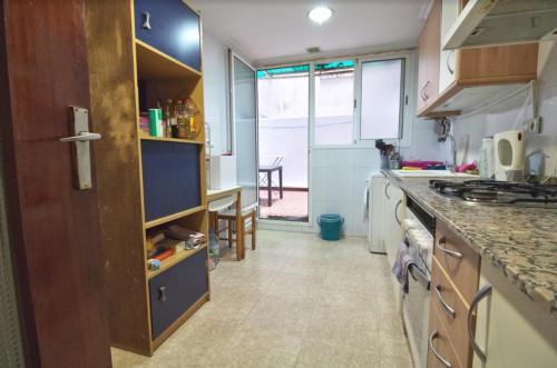 Welcoming single bedroom close to Aragón metro station  - Gallery -  9