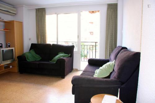 Welcoming single bedroom close to Aragón metro station  - Gallery -  6