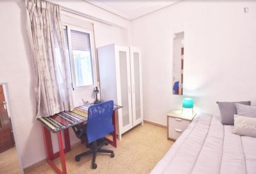 Welcoming single bedroom close to Aragón metro station  - Gallery -  1