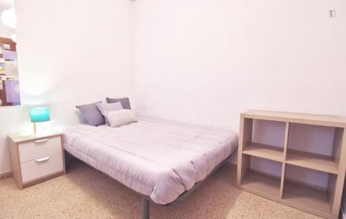 Welcoming single bedroom close to Aragón metro station  - Gallery -  3