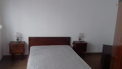 Well-located double bedroom near metro station Alameda  - Gallery -  4