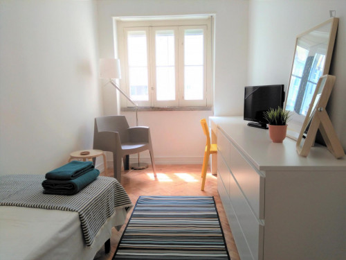 Well-located single room in Arroios, near Instituto Superior Técnico  - Gallery -  2