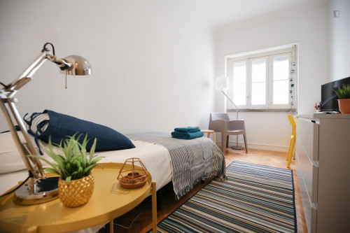 Well-located single room in Arroios, near Instituto Superior Técnico  - Gallery -  1