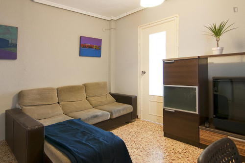 Very cool double bedroom in L'Amistat  - Gallery -  5