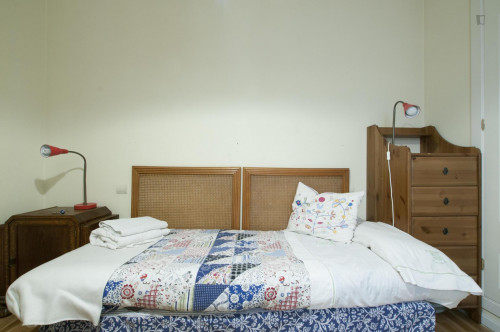 Twin bedroom in student-heavy La Chopera  - Gallery -  2