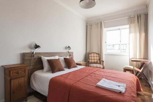 Very neat double bedroom in Restelo  - Gallery -  2