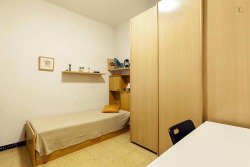 Very nice single bedroom, in a 4-bedroom flat, in Eixample  - Gallery -  1