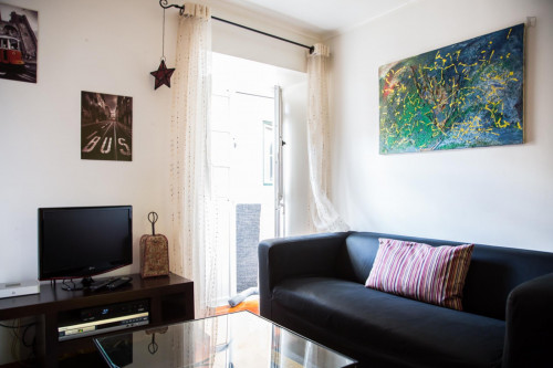 Well-decorated 1-bedroom apartment in central Bairro Alto  - Gallery -  7