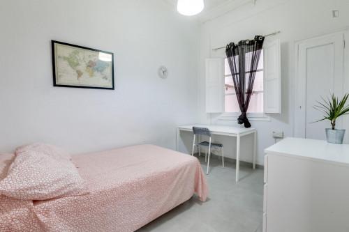 Suitable single bedroom in La Petxina  - Gallery -  1