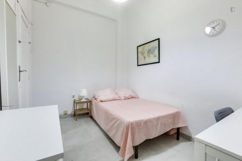 Suitable single bedroom in La Petxina  - Gallery -  2