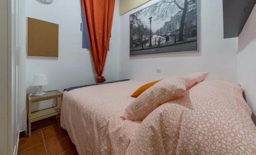 Superb double bedroom in student-popular El Pla del Real neighbourhood  - Gallery -  1