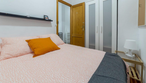 Superb double bedroom in student-popular El Pla del Real neighbourhood  - Gallery -  2