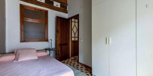 Sunny double bedroom in La Roqueta  - Gallery -  1