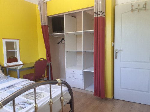Nice double bedroom near Canal de Jonage  - Gallery -  3