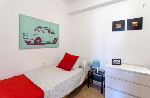 Sublime single bedroom in a student flat, in Mont-Olivet  - Gallery -  2
