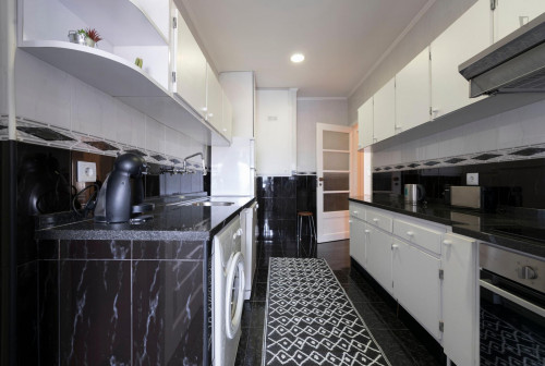 Welcoming 3-Bedroom Apartment in Close to the Sé Cathedral  - Gallery -  8