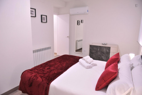 Super modern 1 bedroom apartment in Madrid, near Nuevos Ministerios tube station  - Gallery -  3