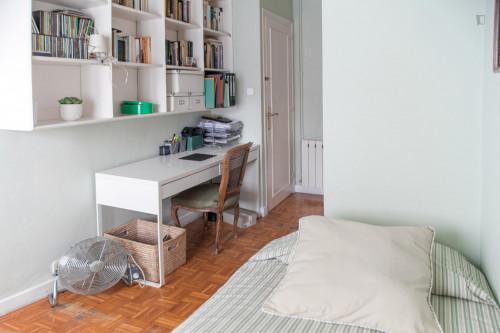 Super Comfortable single room near Universitat de Barcelona  - Gallery -  3
