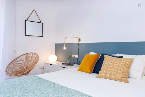 Wonderful 3-bedroom apartment near Sant Antoni metro station  - Gallery -  4