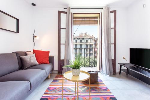 Wonderful 3-bedroom apartment near Sant Antoni metro station  - Gallery -  9