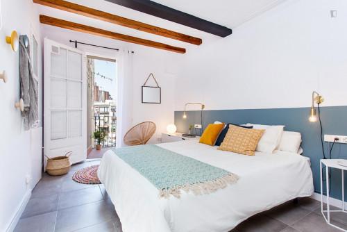 Wonderful 3-bedroom apartment near Sant Antoni metro station  - Gallery -  7