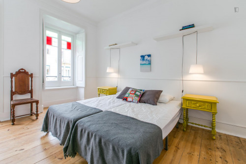 Twin bedroom in a 5-bedroom apartment, in hip Arroios  - Gallery -  2