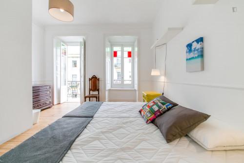 Twin bedroom in a 5-bedroom apartment, in hip Arroios  - Gallery -  1