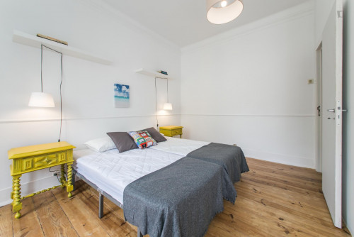 Twin bedroom in a 5-bedroom apartment, in hip Arroios  - Gallery -  3