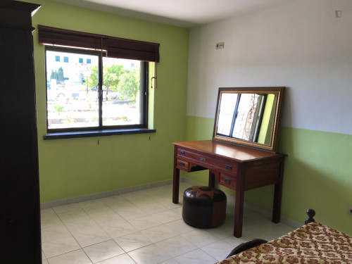 Zimmer ca.20qm in einem schönem Haus mit grossem Garten in Sesimbra  - Gallery -  1