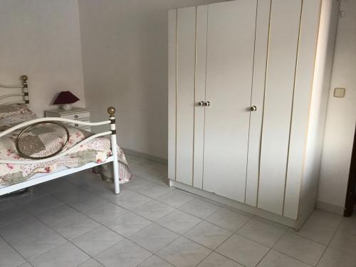 Zimmer ca 20qm in einem schönen Haus mit 100qm in Sesimbra mit grossen Garten  - Gallery -  3