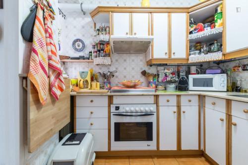 Warm single bedroom near Antonio Machado metro station  - Gallery -  8