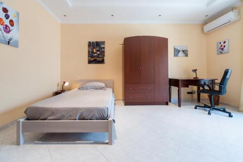 Tasteful single bedroom in the Torre Gaia neighbourhood  - Gallery -  1