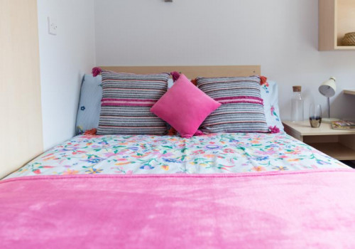 Two Bed Apartment - Gallery - 5