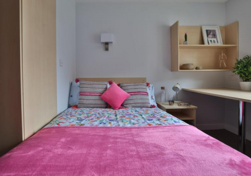 Two Bed Apartment - Gallery - 4