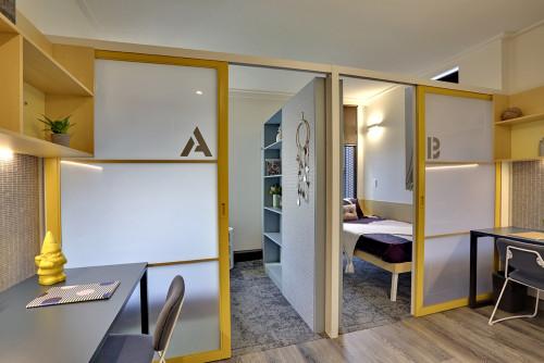 Twin Bedroom with En-Suite - Gallery - 3